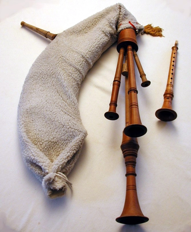 Calabrian Bagpipes with Jewish Roots
